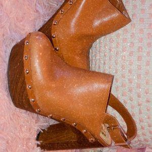 Lightly Used Leather Gianni Bini Heels